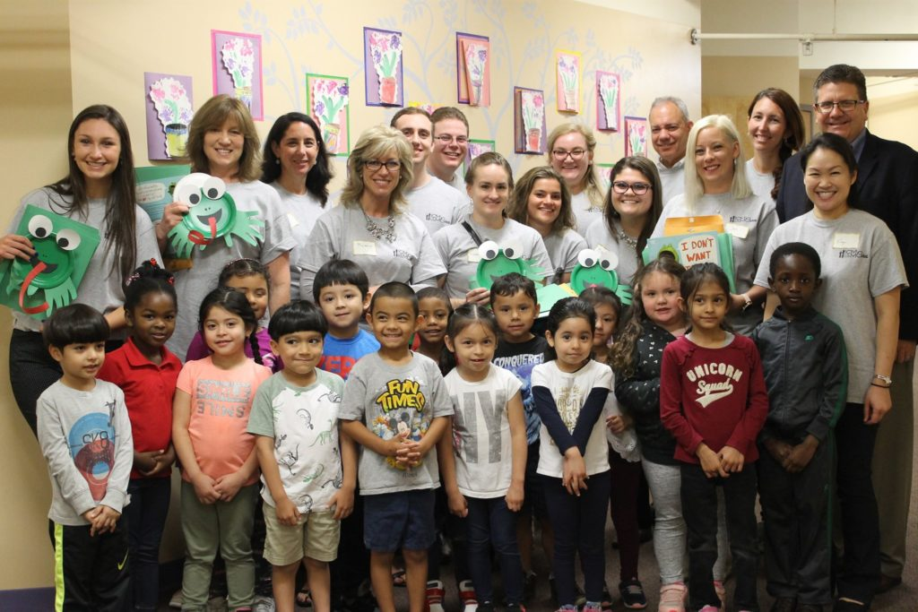 tCMM Cares Volunteers with Family Service League
